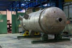 El tanque metálico apenas hecho Fotos de archivo libres de regalías