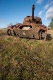 El tanque militar oxidado de la guerra Foto de archivo