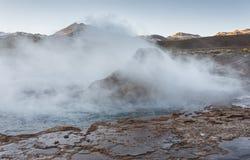 El Tatio喷泉,南半球的最大的喷泉接近圣佩德罗火山de阿塔卡马,卡拉马,安托法加斯塔高原的  库存照片