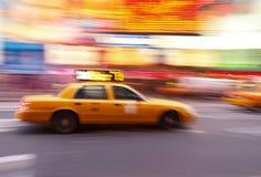 El taxi ajusta ocasionalmente en NYC fotografía de archivo libre de regalías