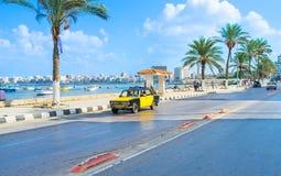 El taxi negro-amarillo Fotografía de archivo libre de regalías