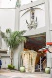 El teatro chino de Grauman de la opinión de Hollywood Boulevard en Hollywood Boulevard Imagen de archivo libre de regalías