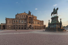 El teatro de la ópera de Semper en Dresden Imagen de archivo libre de regalías