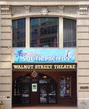 El teatro de la calle de la nuez en Philadelphia Imagen de archivo