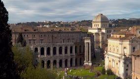 El teatro de Marcelo es un teatro al aire libre antiguo en Roma metrajes
