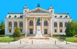 El teatro nacional de Iasi, Rumania fotos de archivo