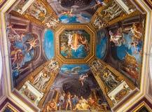 El techo en una de las galerías de los museos del Vaticano Fotos de archivo libres de regalías