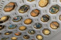 El techo magnífico del cristal de colores diseña, salón de baile del casino de Canfield, Saratoga, Nueva York, 2017 Imagen de archivo