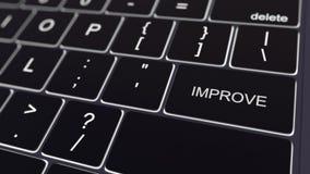 El teclado de ordenador negro y el brillar intensamente mejoran llave Representación conceptual 3d Imágenes de archivo libres de regalías