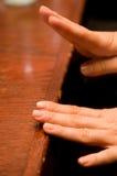 El teclear de las manos Imagen de archivo libre de regalías
