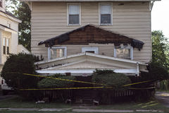 El tejado cayó abajo Foto de archivo