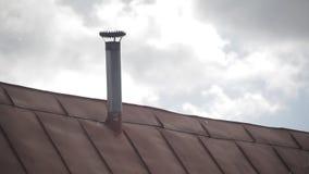 El tejado del hierro de la casa
