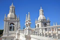 El tejado del sao Vicente de Fora Church con las secciones adornado adornadas en el estilo barroco, Lisboa, Portugal Foto de archivo libre de regalías