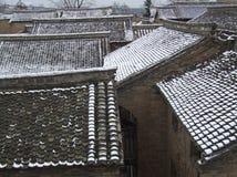 El tejado después de la nieve Imagen de archivo libre de regalías