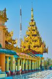 El tejado multi-efectuado del pyatthat pronto de Oo Ponya Shin Paya Summit Pagoda, Sagaing imagen de archivo libre de regalías