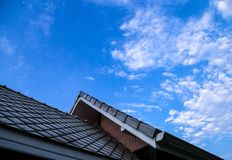 El tejado y el cielo Fotos de archivo libres de regalías