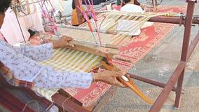 El tejer con los telares