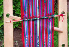 El tejer peruano en el lago Titicaca Fotografía de archivo