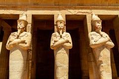 El templo antiguo del pharao femenino Hatchepsut cerca de Luxor en Egipto fotografía de archivo