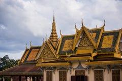 El templo budista asiático del estilo tailandés adornó el tejado Fotografía de archivo libre de regalías