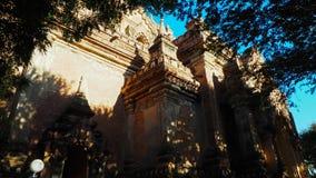 El templo de Dhammayangyi en Bagan Myanmar, hinchando sobre Bagan es uno de la acción más memorable para los turistas Foto de archivo