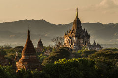 El templo de Gawdawpalin en la última hora de la tarde imágenes de archivo libres de regalías