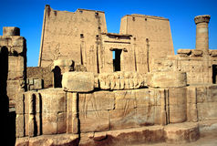 El templo de Horus, Edfu, Egipto. Foto de archivo