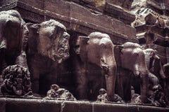 El templo de la cueva de Kailash o de Kailasanatha en Ellora excava La India Foto de archivo