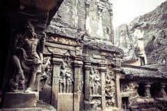 El templo de la cueva de Kailash o de Kailasanatha en Ellora excava La India Fotografía de archivo