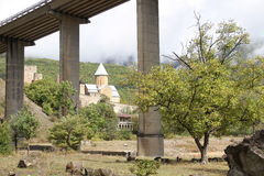 El templo de piedra viejo en Georgia Imagen de archivo libre de regalías