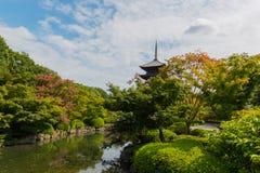El templo de Toji es un templo budista de la secta del Shingon en Kyoto, Jap?n imagen de archivo