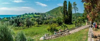 El templo nuevo Athos con las cuevas notables Fotografía de archivo libre de regalías