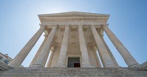 El templo romano antiguo de Nimes en Francia Imagen de archivo libre de regalías