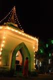 El templo tailandés en la noche hermosa Fotos de archivo