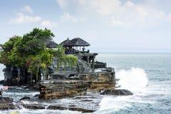 El templo una isla indonesia, fotos de archivo
