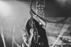 El testamento vive en banda de heavy metal pesada del movimiento de piernas del concierto 2016 Foto de archivo