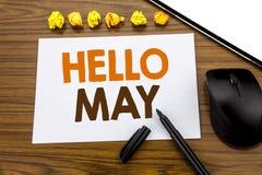 El texto conceptual de la escritura de la mano que muestra hola puede mes Concepto del negocio para el mes de la primavera que vi Fotografía de archivo