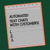 El texto de la escritura de la palabra automatizó charlas del texto con los clientes El concepto del negocio para el bot de la ch fotografía de archivo libre de regalías