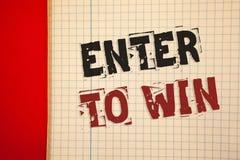 El texto de la escritura de la palabra entra para ganar Concepto del negocio para el premio de la recompensa del premio dado para imagenes de archivo