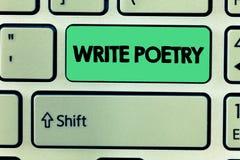 El texto de la escritura de la palabra escribe poesía Concepto del negocio para escribir a literatura ideas melancólicas roanalys imágenes de archivo libres de regalías