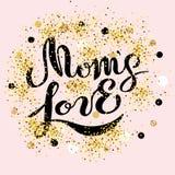 El texto del amor del ` s de la mamá está en fondo rosado Imágenes de archivo libres de regalías