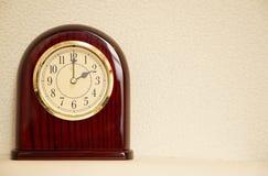 El tiempo es 2:00 Imagen de archivo libre de regalías