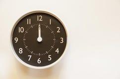 El tiempo es 12:00 Imagen de archivo libre de regalías
