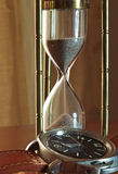 El tiempo fluye comparación visual entre los metros del tiempo de diverso p Fotos de archivo libres de regalías