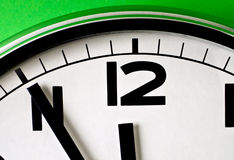 El tiempo se está ejecutando hacia fuera rápidamente fotos de archivo
