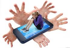 El tiranizar del teléfono celular Foto de archivo libre de regalías