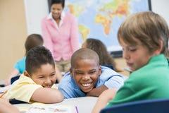 El tiranizar en escuela primaria Fotografía de archivo libre de regalías