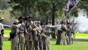 El tirar de los soldados confederados almacen de metraje de vídeo