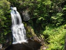 El tiro de la cascada desde arriba en Bushkill cae en Pennsylvania imagen de archivo libre de regalías