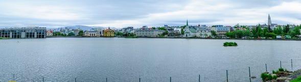 El Tjornin ( el pond) en Reykjavik imagen de archivo libre de regalías